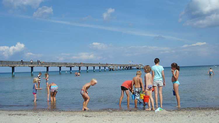 Kinder am Strand in Boltenhagen